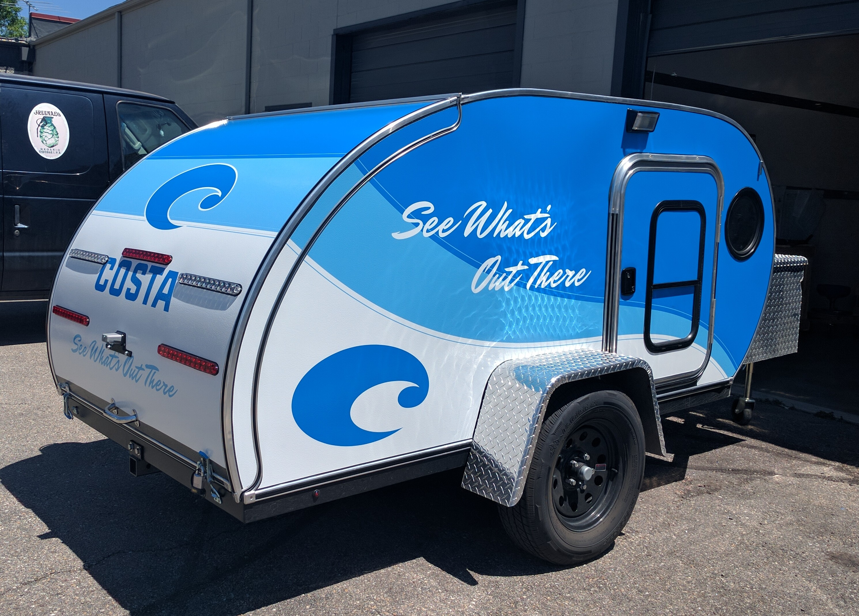 trailer graphcis, trailer wrap